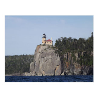 Carte Postale phare fendu de roche