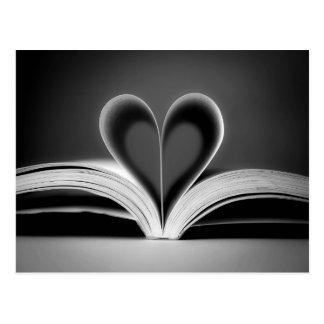 Carte Postale Photographie de livre de coeur