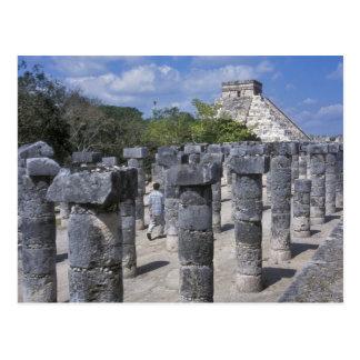 Carte Postale Piliers en pierre antiques dans Chichen Itza.