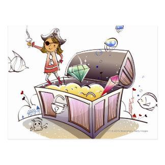 Carte Postale Pirate féminin se tenant sur un coffre au trésor
