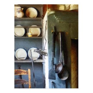 Carte Postale Poches et spatule dans la cuisine