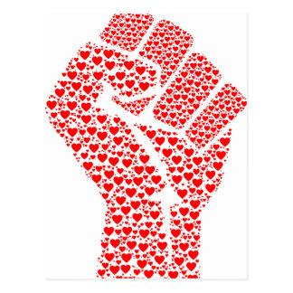 Carte Postale Poing de l'amour - poing serré fait de coeurs