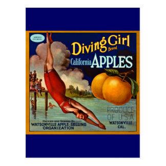 Carte Postale Pommes de fille de plongée - étiquette vintage de