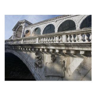 Carte Postale Pont de Rialto au-dessus du canal grand Venise