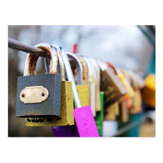 Carte Postale Pont en serrure d'amour