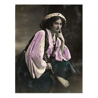 Carte Postale Portrait vintage d'une fille gitane