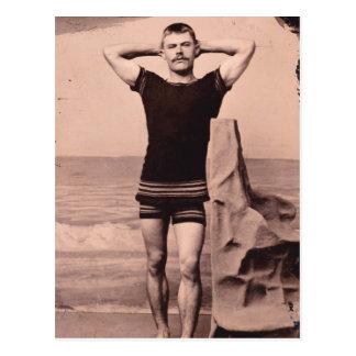 Carte Postale Poses d'homme dans le maillot de bain 1890