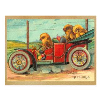 Carte Postale Poussins vintages de Pâques dans l'automobile