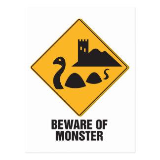 Carte Postale Prenez garde du monstre de Loch Ness