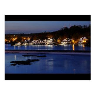Carte Postale Rangée de Boathouse de Philadelphie au crépuscule