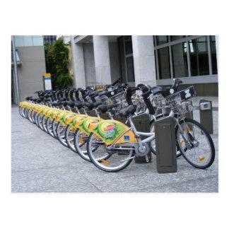 Carte Postale Rangée des bicyclettes
