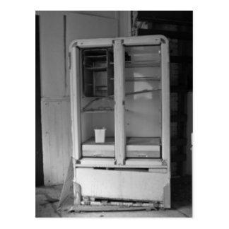 Carte Postale Réfrigérateur abandonné