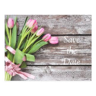 Carte Postale Réservez la date--Dentelez les tulipes et le bois