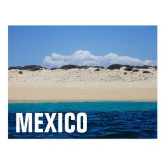 Carte Postale Ressacs sur la plage sablonneuse sous le ciel bleu