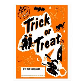 Carte Postale Rétro des bonbons ou un sort vintage de Halloween