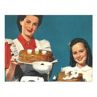 Carte Postale Rétro ménagère vintage de livre de cuisine de les