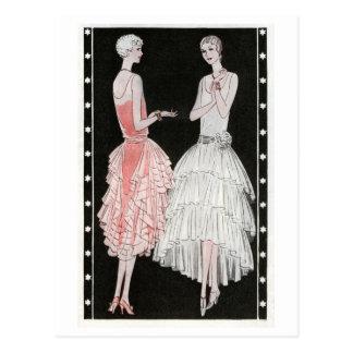 Carte Postale Robes roses et blanches des années 1920