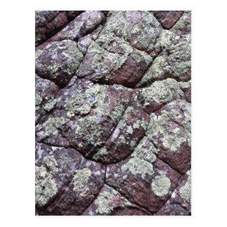 Carte Postale Roches Bouldered avec de la mousse de lichen