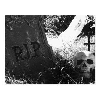 Carte Postale scène de cimetière
