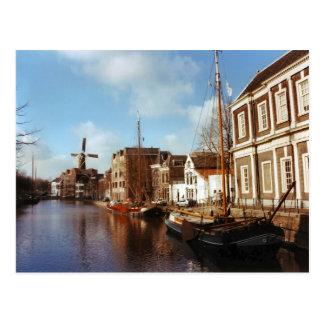 Carte Postale Schiedam, moulins à vent et péniches