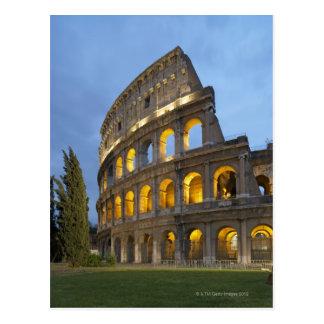 Carte Postale Section lumineuse du Colosseum au crépuscule