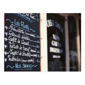 Carte Postale Signe de menu en dehors d'un café en Bordeaux,