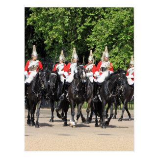 Carte Postale Soldats montés par cavalerie de ménage en photo de