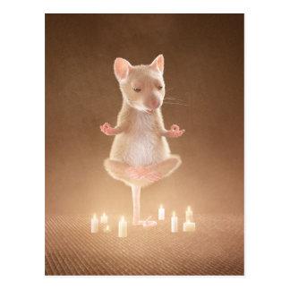 "Carte postale : ""Souris de yoga """