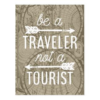 Carte Postale Soyez un voyageur pas une citation de touristes de