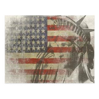 Carte Postale Statue de la liberté sur le drapeau américain