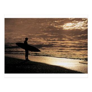 Carte Postale Surfer de lever de soleil