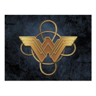 Carte Postale Symbole d'or de femme de merveille au-dessus de