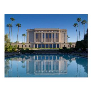 Carte Postale Temple de MESA se reflétant dans une piscine bleue
