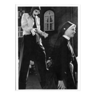 Carte Postale Tir classique de nonne