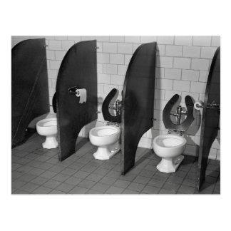 Carte Postale Toilettes Facilities, 1943