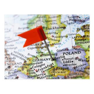 Carte Postale Tracez la goupille placée à Berlin, Allemagne sur