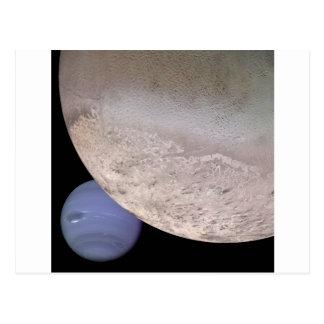 Carte Postale Triton avec Neptune dans la NASA d'arrière - plan