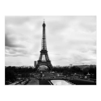 Carte Postale Une autre vue de la tour célèbre