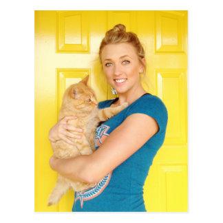 Carte Postale Une fille et son chat