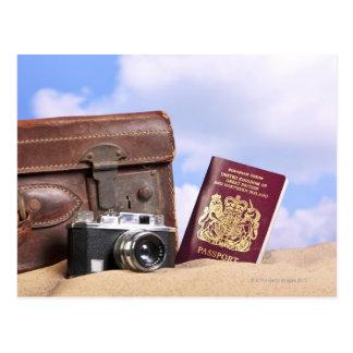 Carte Postale Une vieille valise en cuir, un rétro