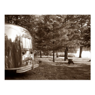 Carte Postale Vacances en camping vintages de remorque de voyage