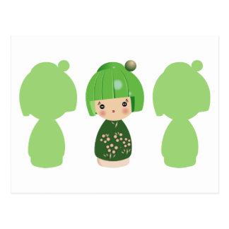Carte postale verte du triplet x3 de Kokeshi