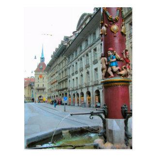 Carte Postale Vieille ville de Berne - fontaine décorée
