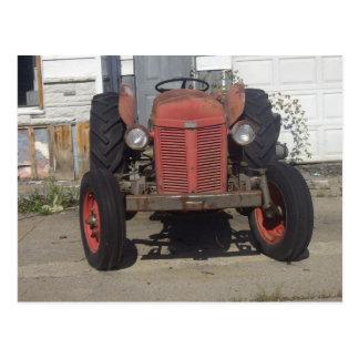 Carte Postale Vieux tracteur rouge