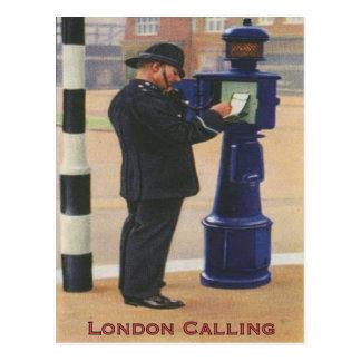 Carte postale vintage avec police de Londres
