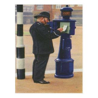 Carte postale vintage avec police de Londres appel