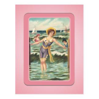 Carte postale vintage de bébés de plage de