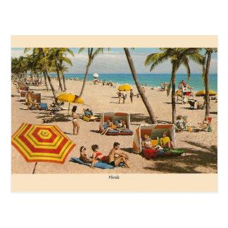 Carte postale vintage de voyage de plage de la