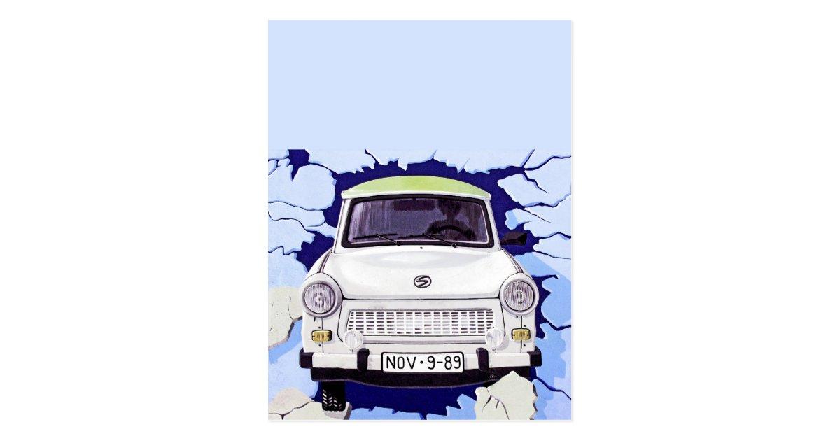 carte postale voiture de trabant bleu clair mur de berlin. Black Bedroom Furniture Sets. Home Design Ideas