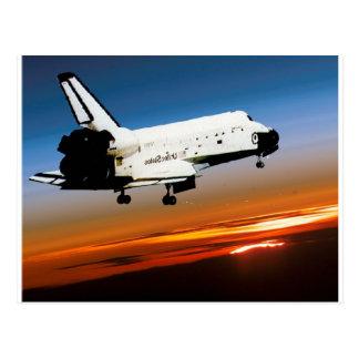 CARTE POSTALE VOL DE NAVETTE SPATIALE DE LA NASA DANS LA PLAGE